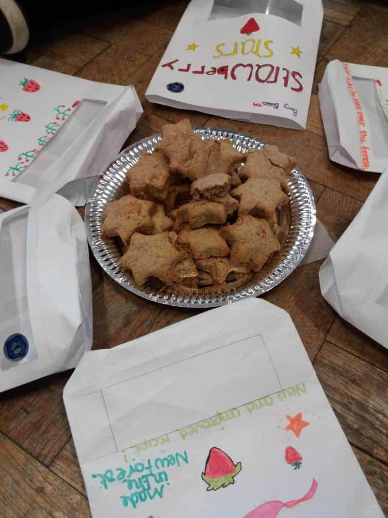 Milford School pupils bake New Forest Marque biscuits